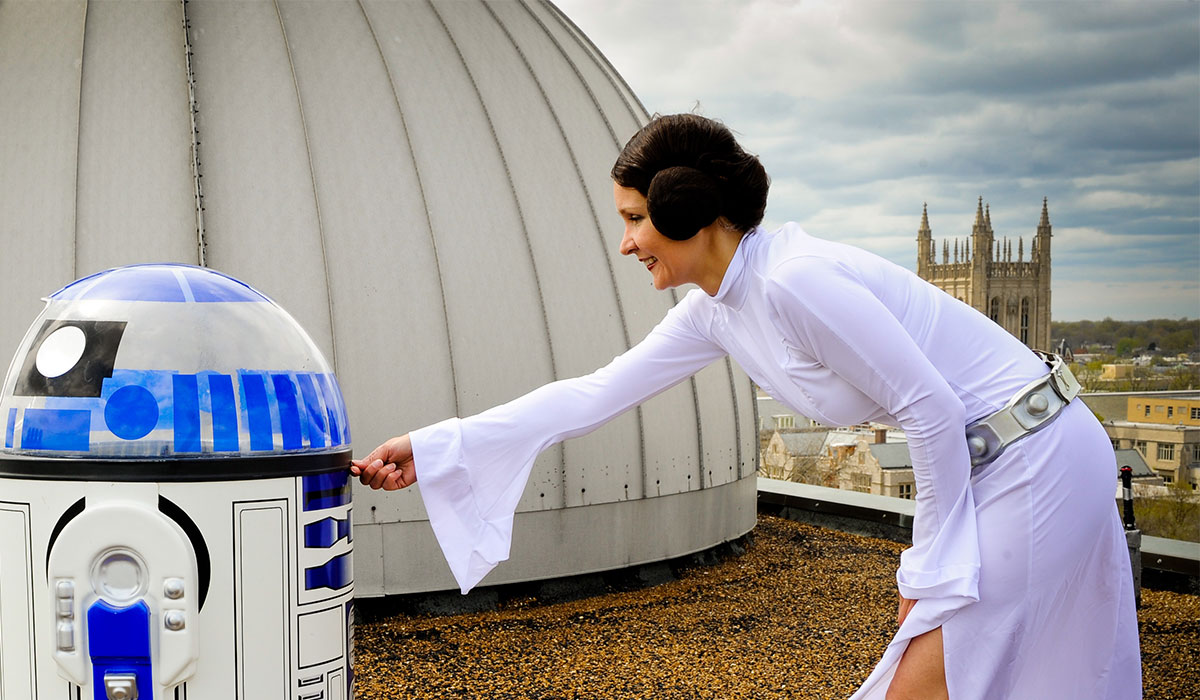 R2-D2 and Leia