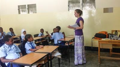 Tanzania-Nieves-classroom