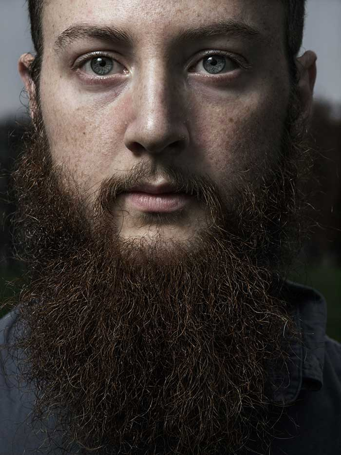 Aaron Arinder, Simple beard