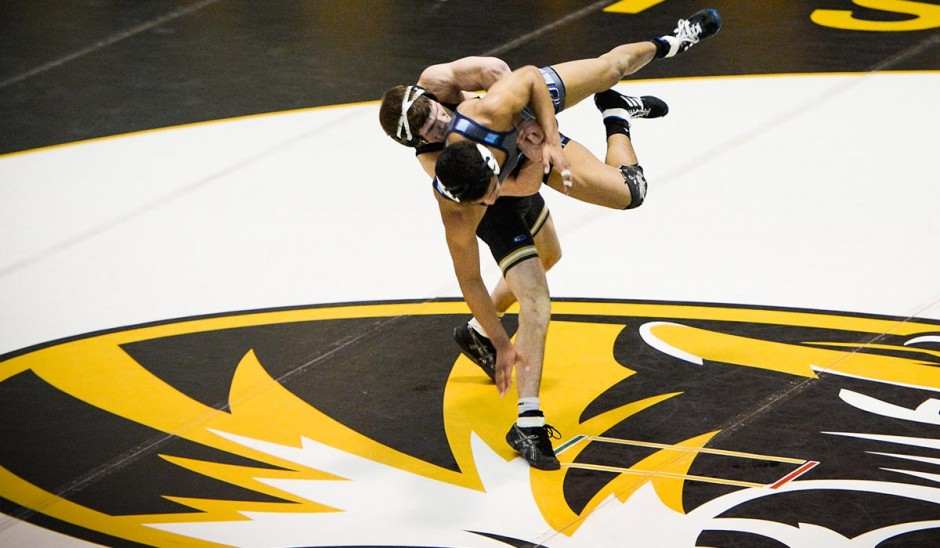 Drake Houdashelt (MIZZ) decision over No. 14 Alex Richardson (ODU)