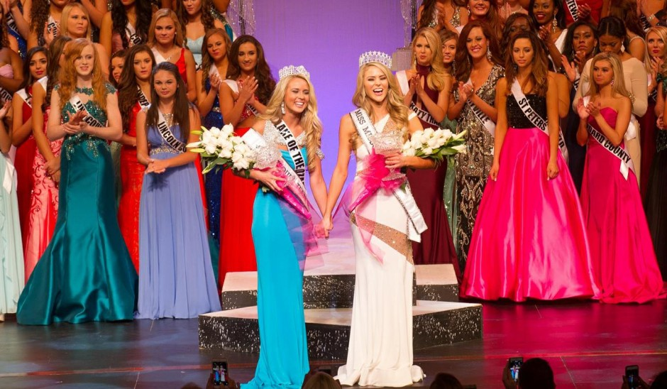 Beauty pageant contestants on stage