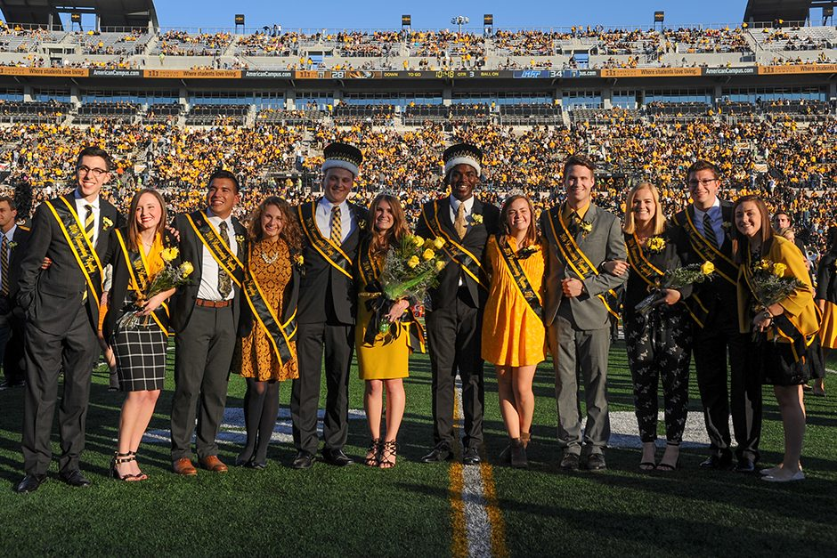 Homecoming 2016 king and queen candidates (Payton Head and Allison Fitts, seventh and eighth from left): Patrick Graham, Alex McCrosky, Louis Scola, Mary Kate Kelly, Nicholas Seidel, Alyssa Goldberg, Garrett Romines, Jennifer McNamara, Bryce Bogart, and Lauren Alexander. Seidel and Goldberg were crowned this year's royalty. Photo by Shane Epping.