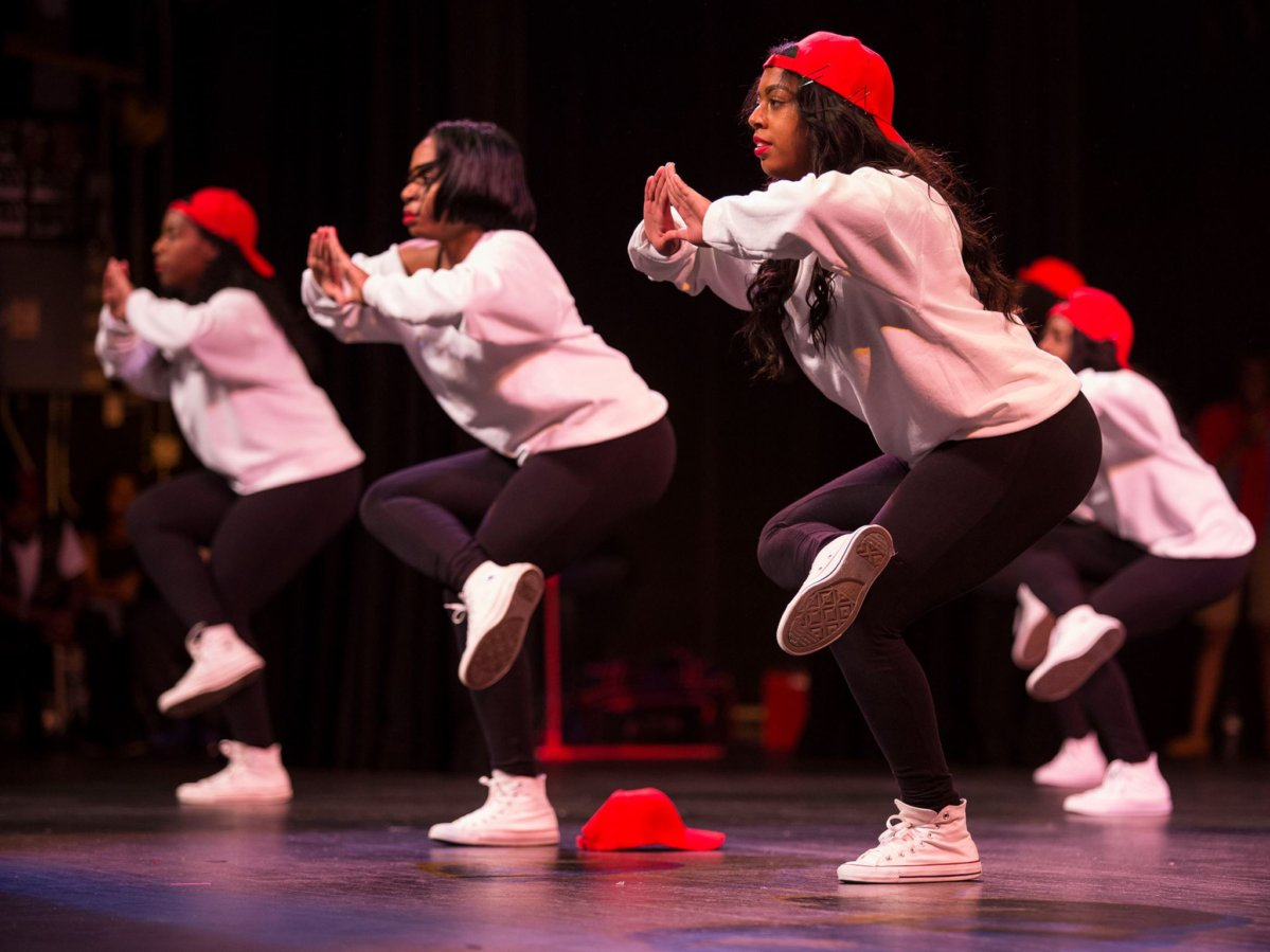 Mizzou students dancing during the Step Show