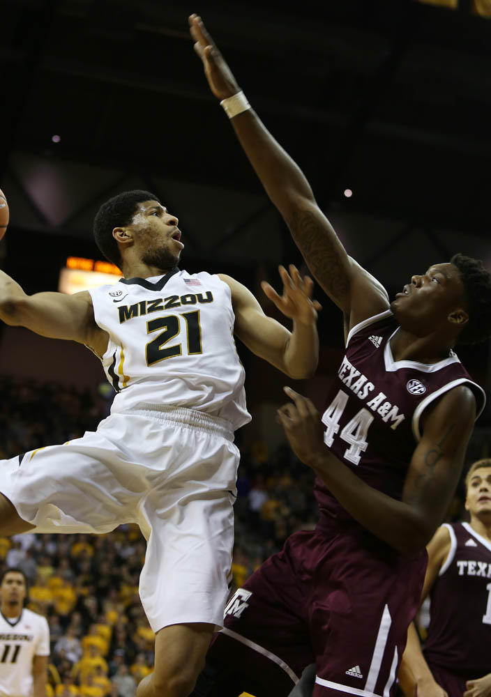 Forward Jordan Barnett shoots the ball during the game.