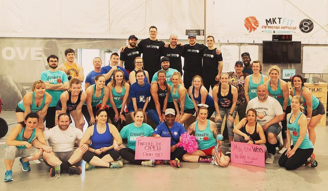 Group photo of MKT Fit members during the CrossFit Open