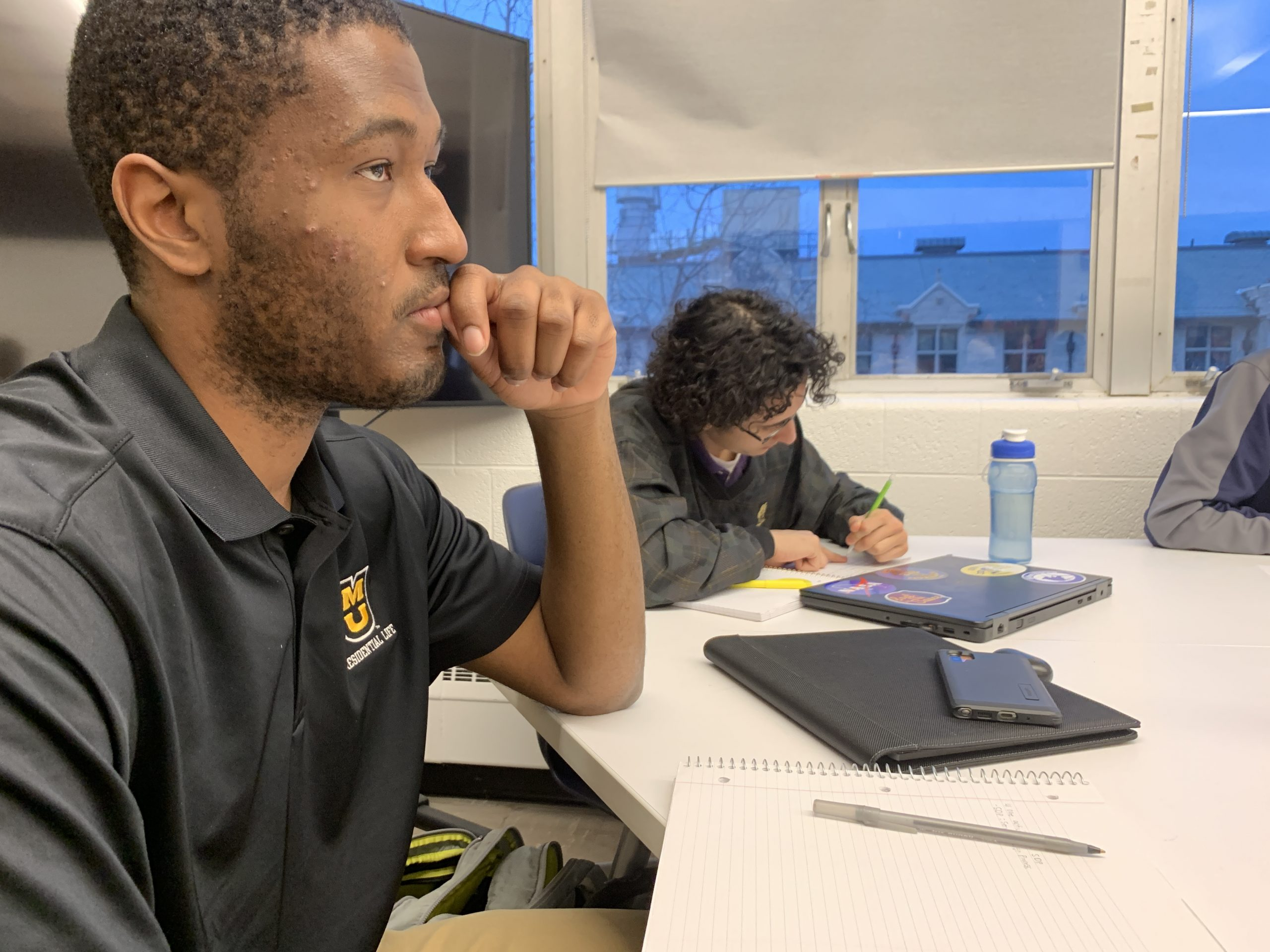 This is a picture of MU student Solomon Davis listening during a Connectivity and 5G class.