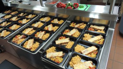This is an image of pre-packaged meals for freezing.