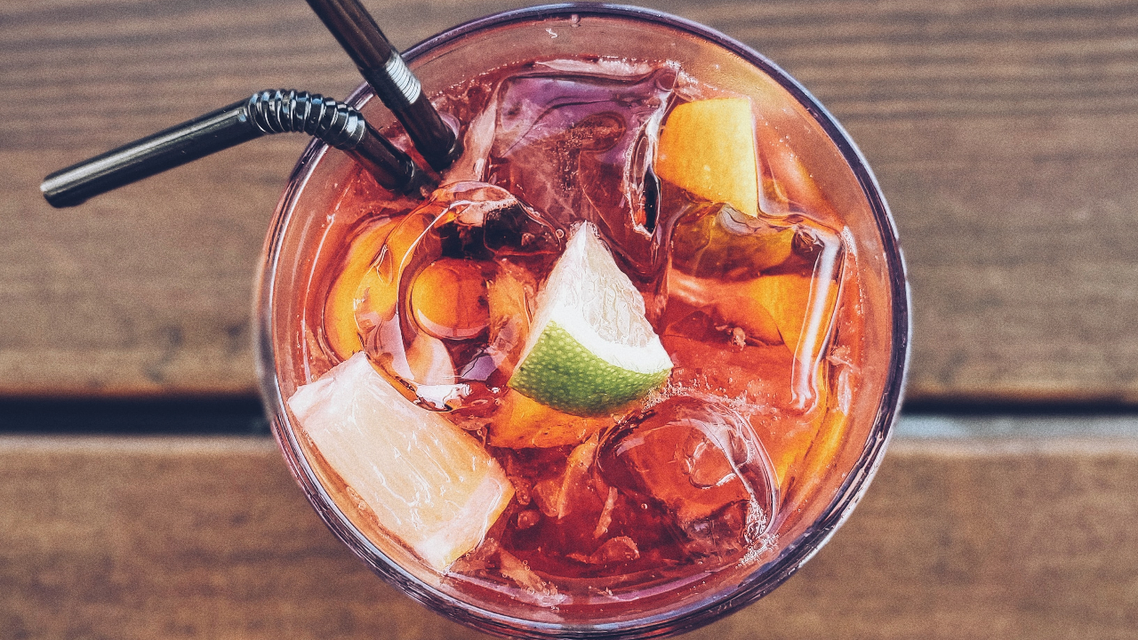picture of an alcoholic drink