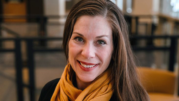 Erin Price headshot